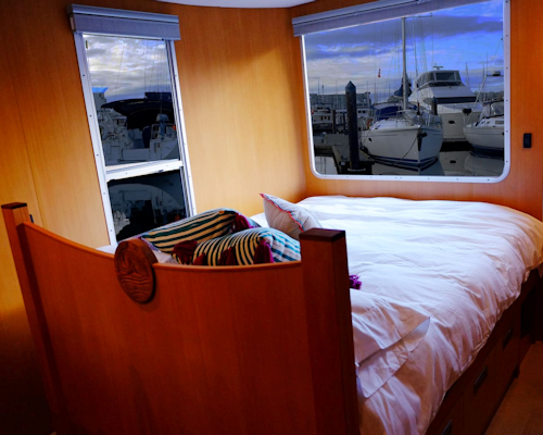 sea suite bedroom